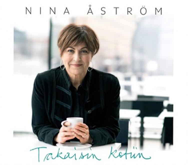 Nina Åströmin uusi albumi Takaisin kotiin ilmestyy tällä viikolla