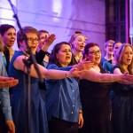 Gospel Helsinki -kuoron konsertti Lauttasaaren kirkossa.