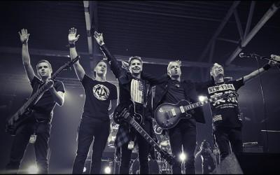 Gospelrock-yhtye SAVE Viimesen päälle -kiertueella