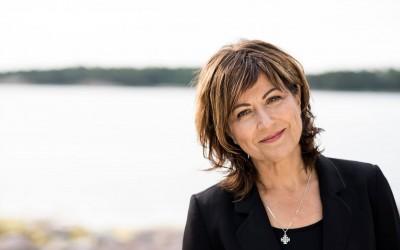 Nina Åström – Toisin silmin on ilmestynyt