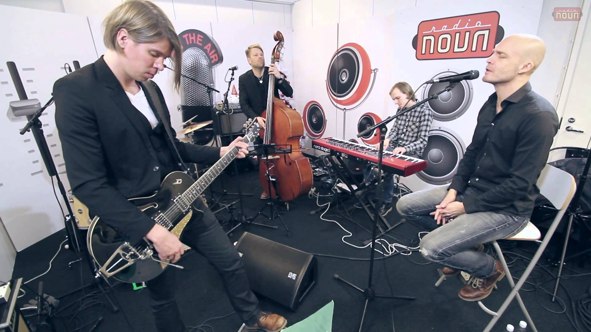 Juha Tapion joulukonsertti @ Radio Nova Stage