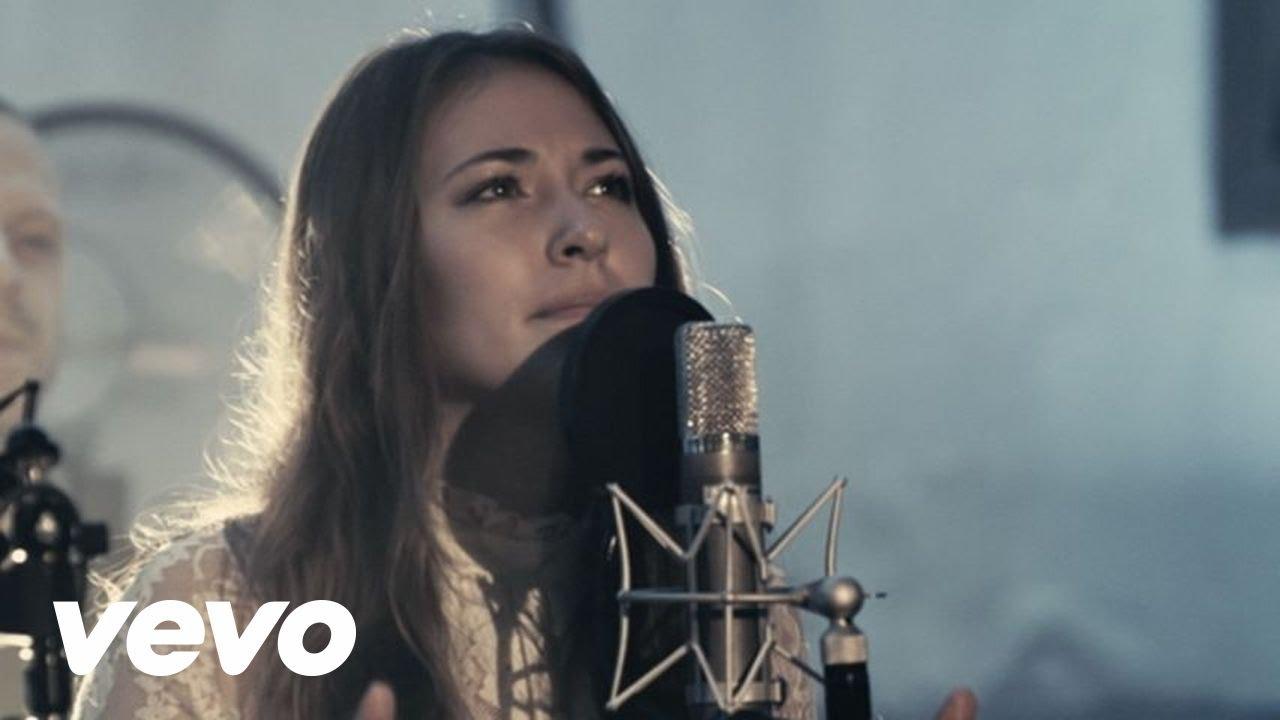 Video: Chris Tomlin – Noel ft. Lauren Daigle (live)